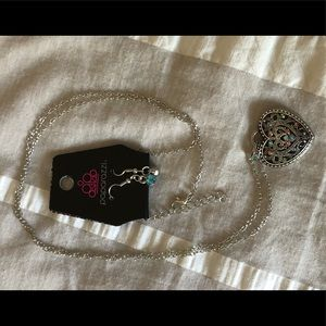 NWT-Paparazzi Heart Pendant with matching earrings